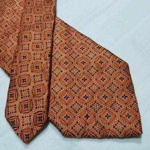 100% Silk ARI BOSTON Geometric Orange & Blue Tie